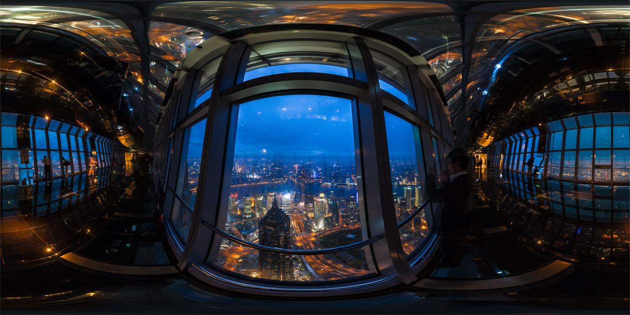 100层楼窗户里看上海