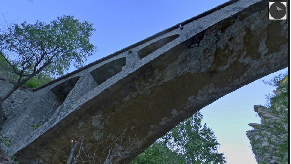 北京昌平山区的石桥