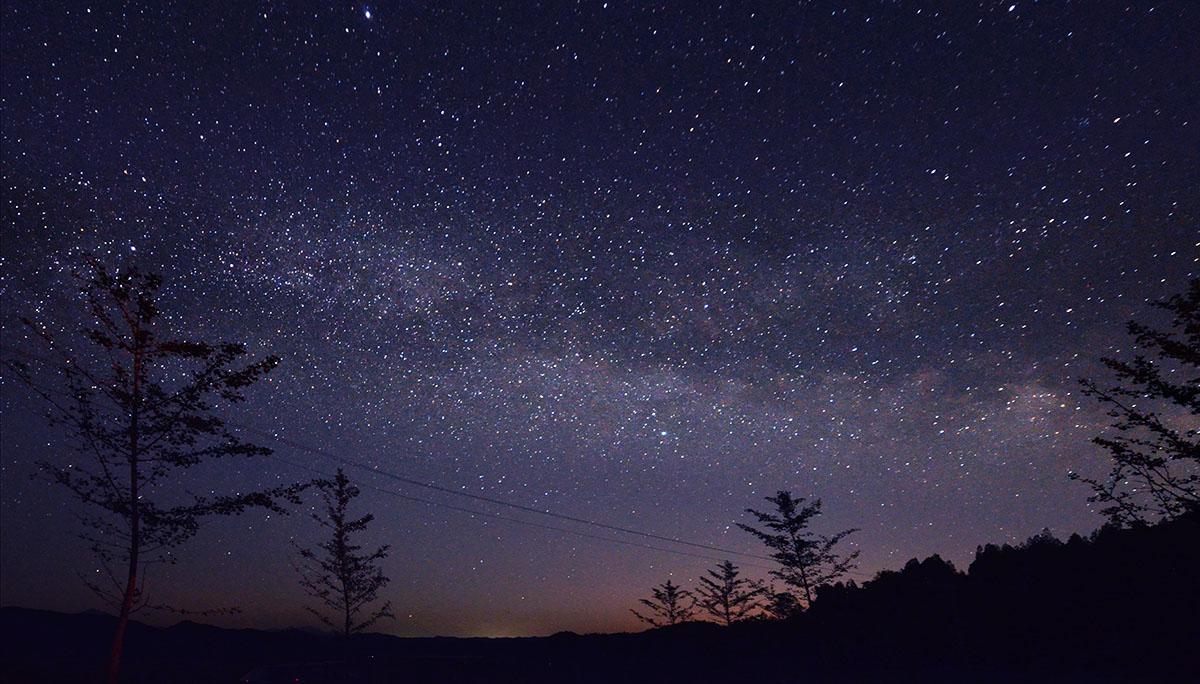 北京密云拍摄的深空(银河)全景