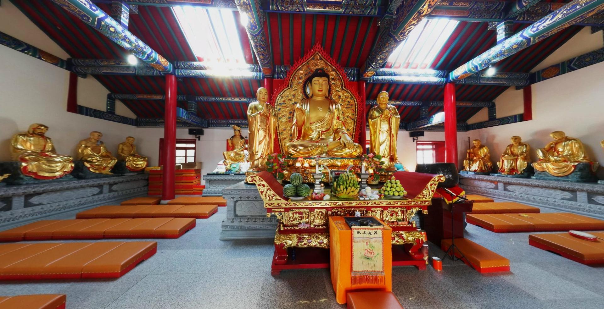 佛祖释迦牟尼金身